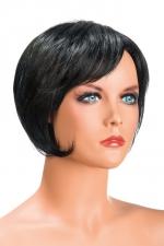 Perruque Daisy brune - Perruque brune aux cheveux courts en carré moderne à la nuque dégradée.